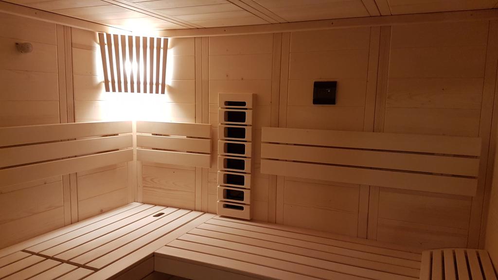 alaska all in one alaska mit infrarot sauna mit infrarot sauna alaska all in sauna alaska. Black Bedroom Furniture Sets. Home Design Ideas